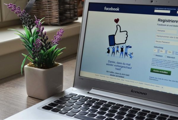 Use Facebook to increase online food orders