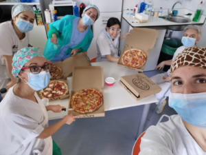 Flipdish's Spanish customer feeding frontline staff with pizza - medical staff image